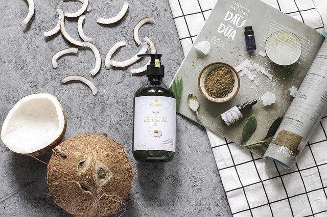 quels sont les bienfaits de l huile de coco sur les cheveux